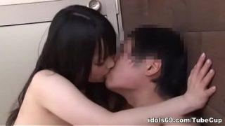 หนังโป๊avญี่ปุ่น สาวน้อยนางฟ้าชัดๆนมสวย หีสวยผิวเนียนแอบมาเล่นเสียวกลางวัน